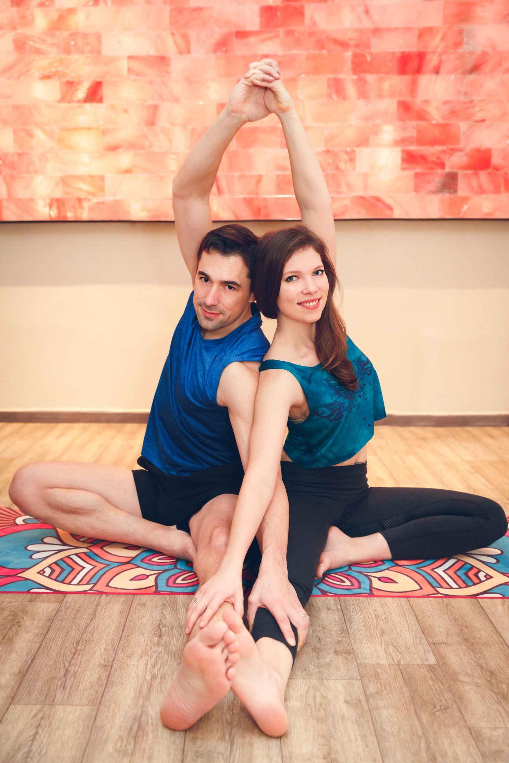 Sportliches Paarshooting im Yogastudio Schwabach IMG 6693w