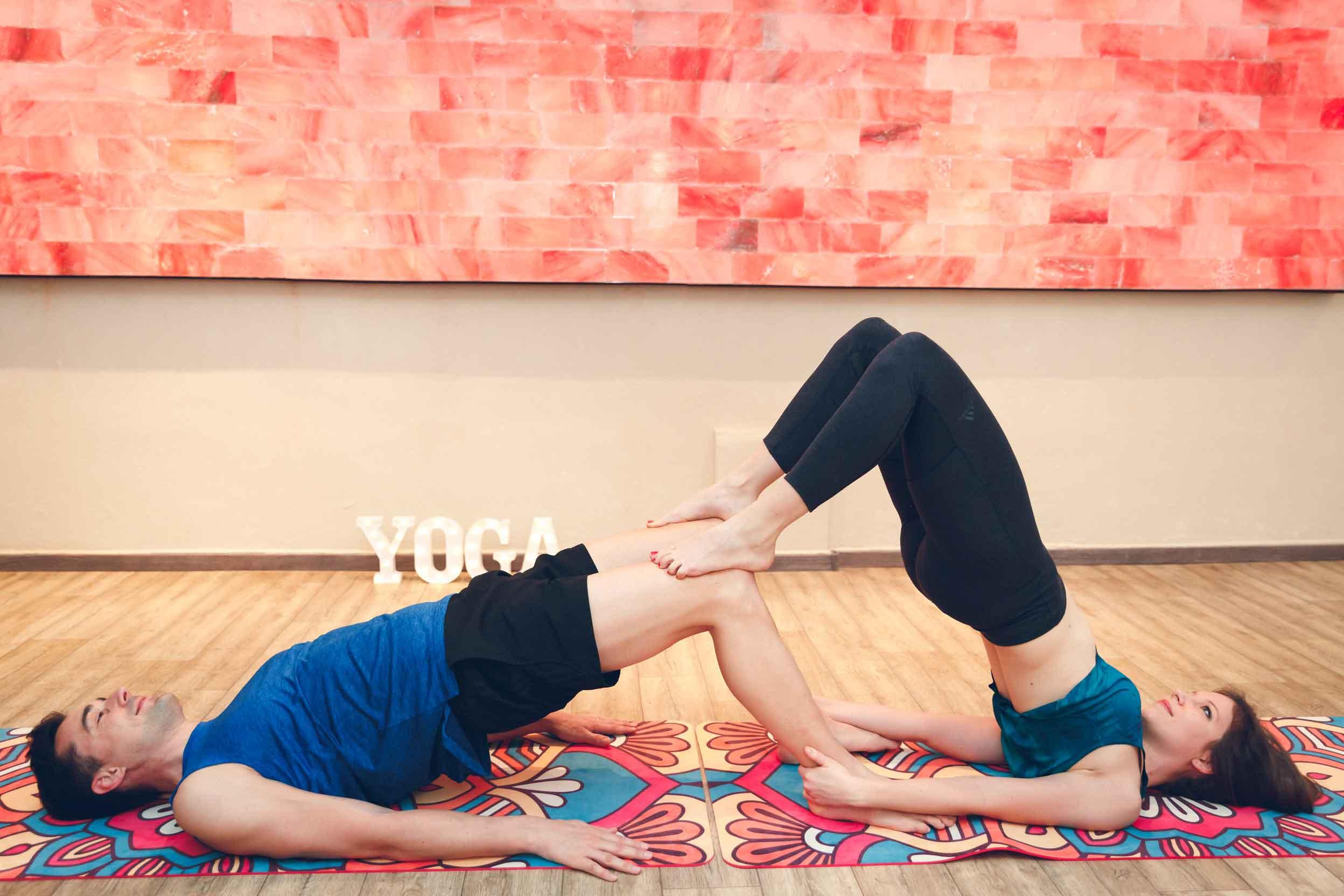 Sportliches Paarshooting im Yogastudio Schwabach IMG 6748w