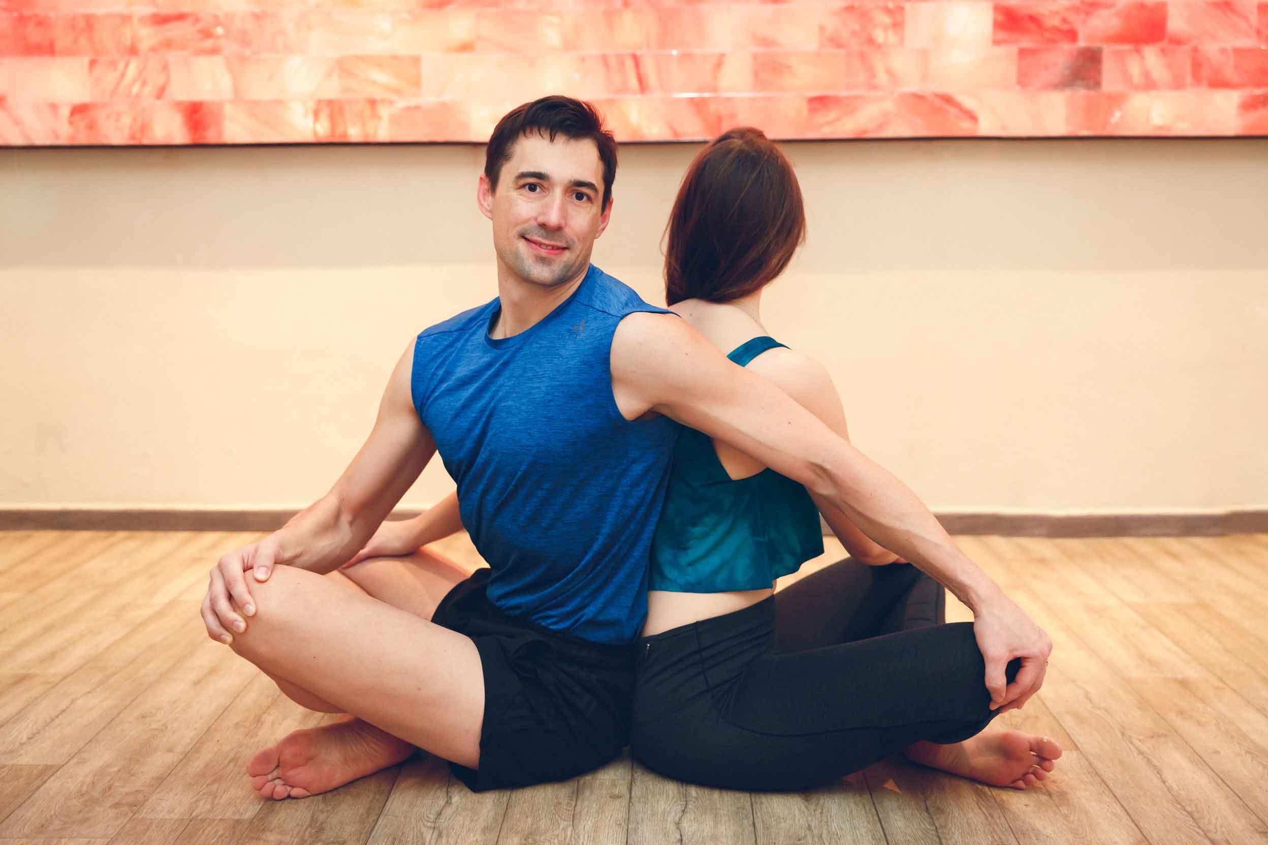 Sportliches Paarshooting im Yogastudio Schwabach IMG 6898w