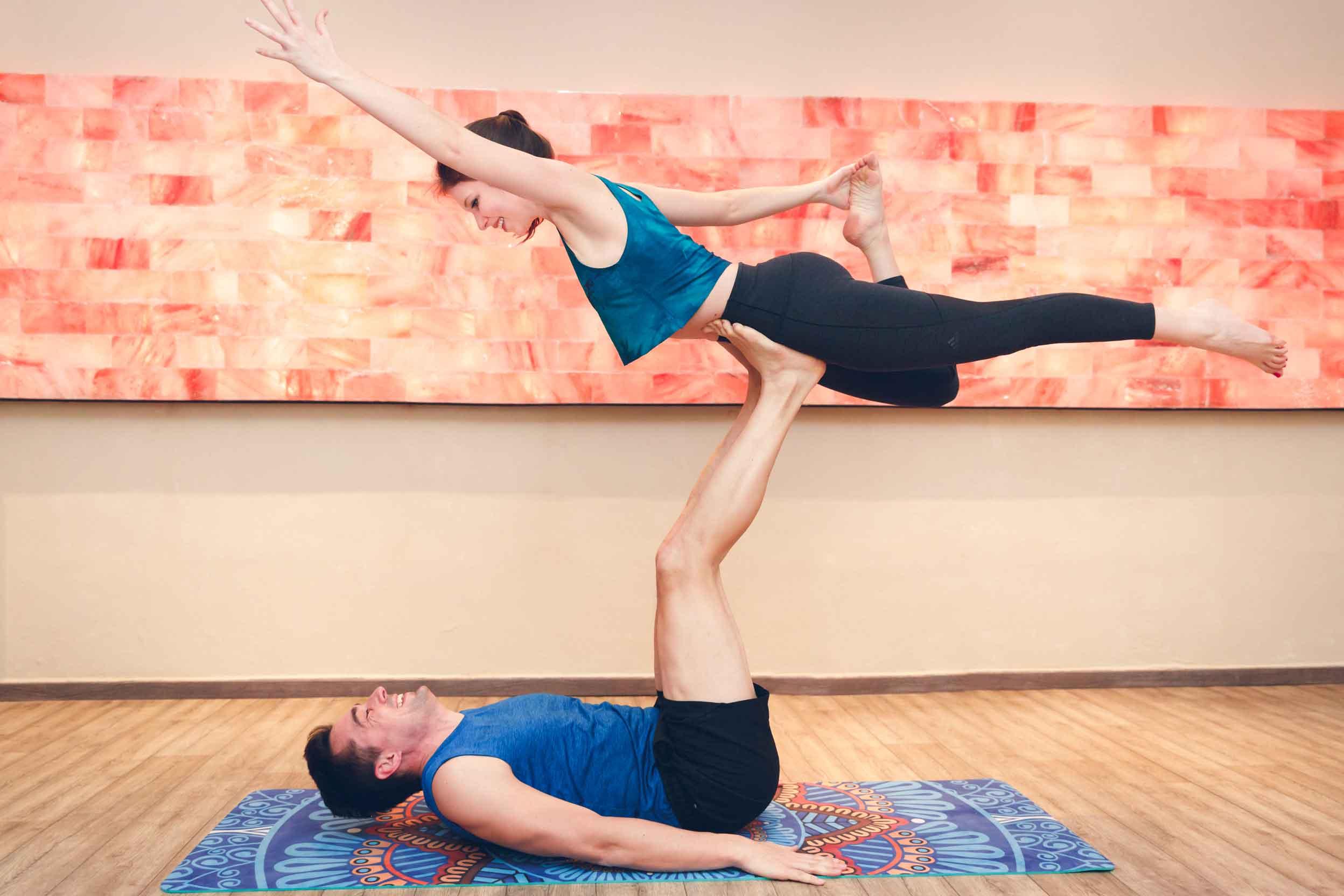 Sportliches Paarshooting im Yogastudio Schwabach IMG 6951w