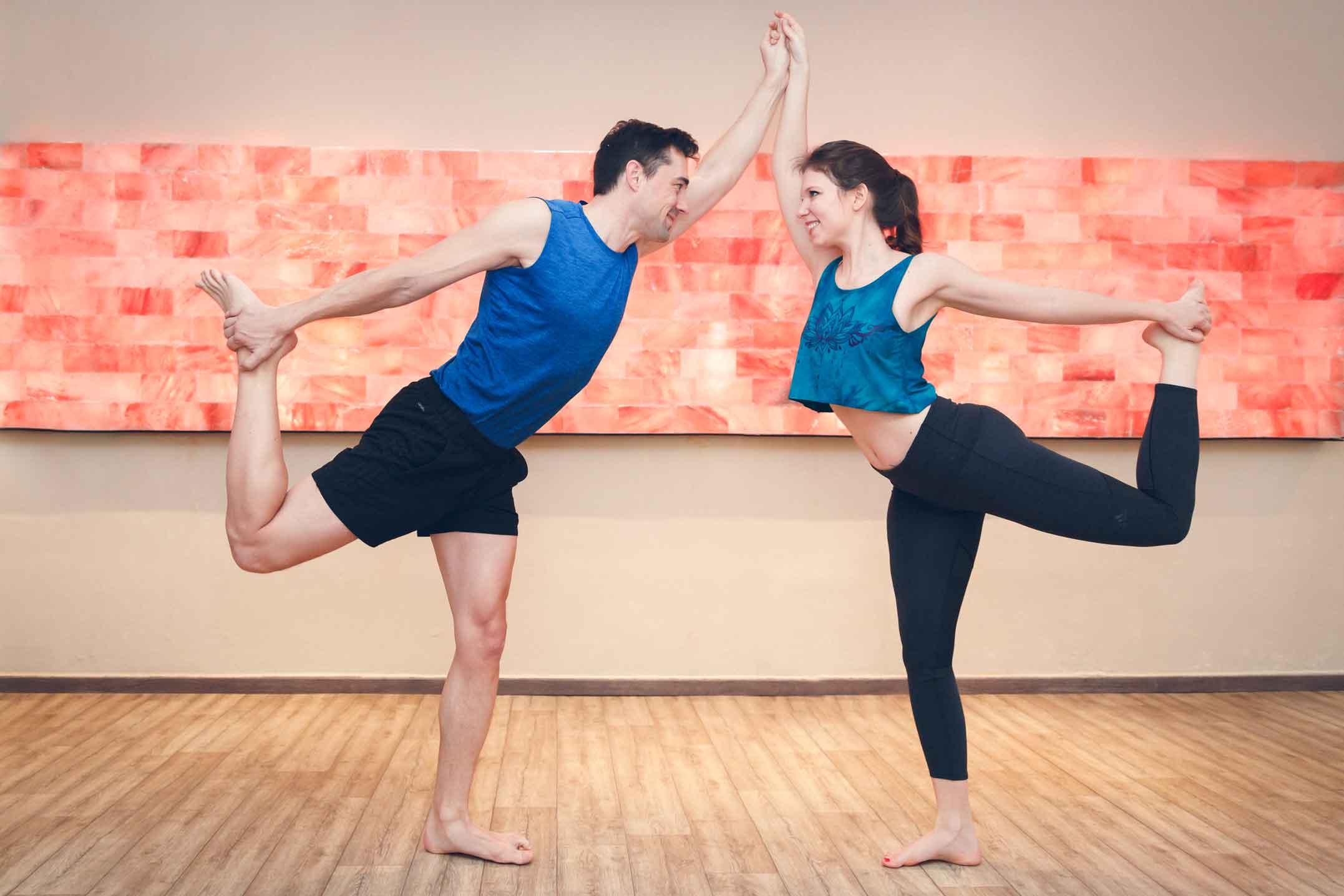 Sportliches Paarshooting im Yogastudio Schwabach IMG 6960w