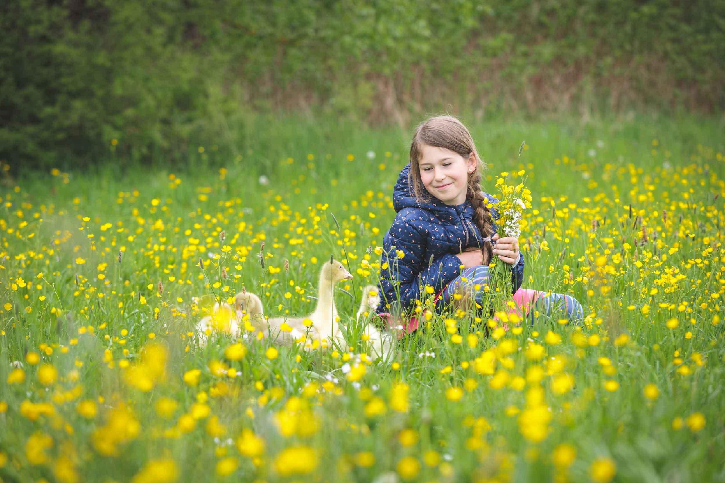 Kinderportraits mit Gänseküken IMG 0640w