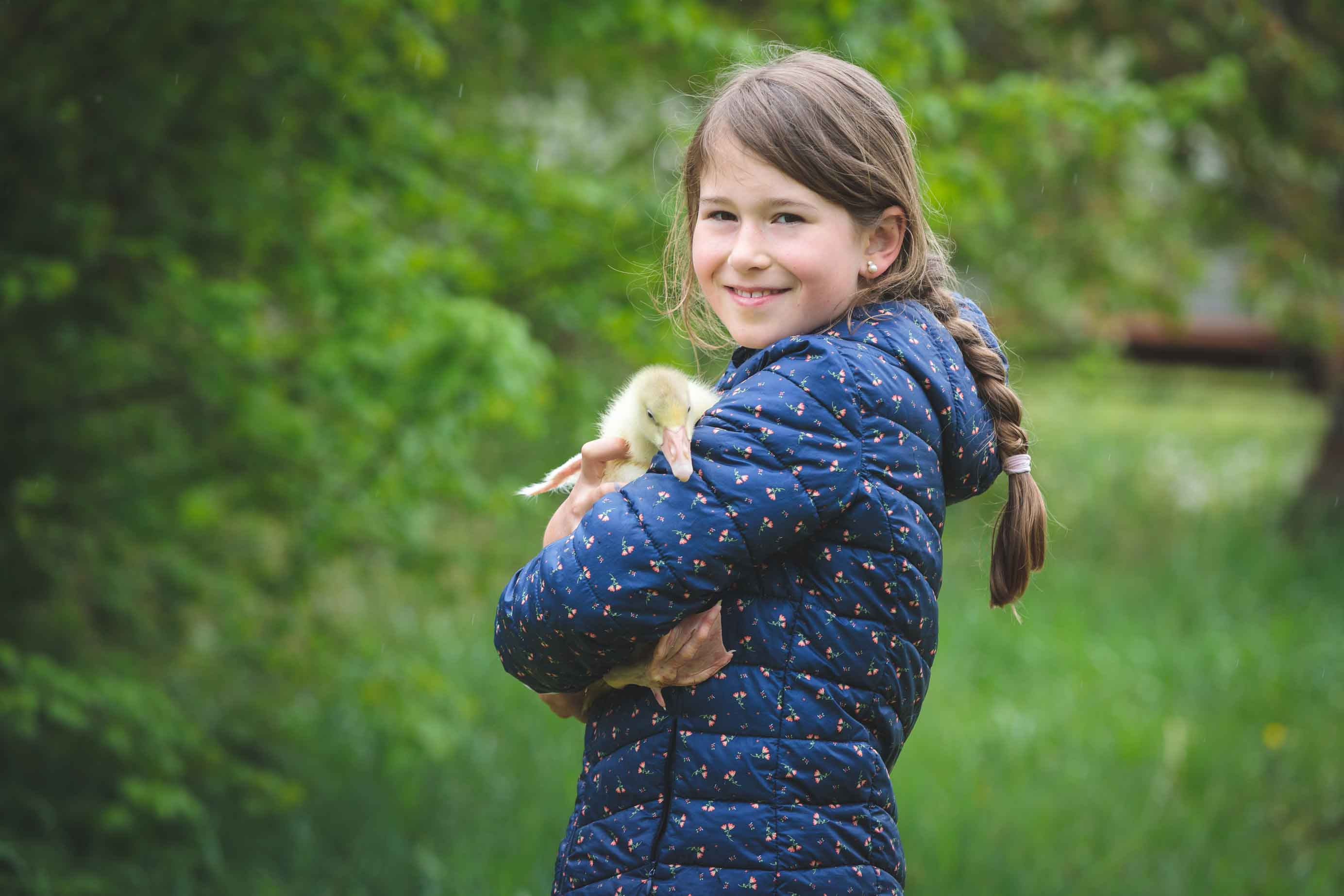 Kinderportraits mit Gänseküken IMG 0682w
