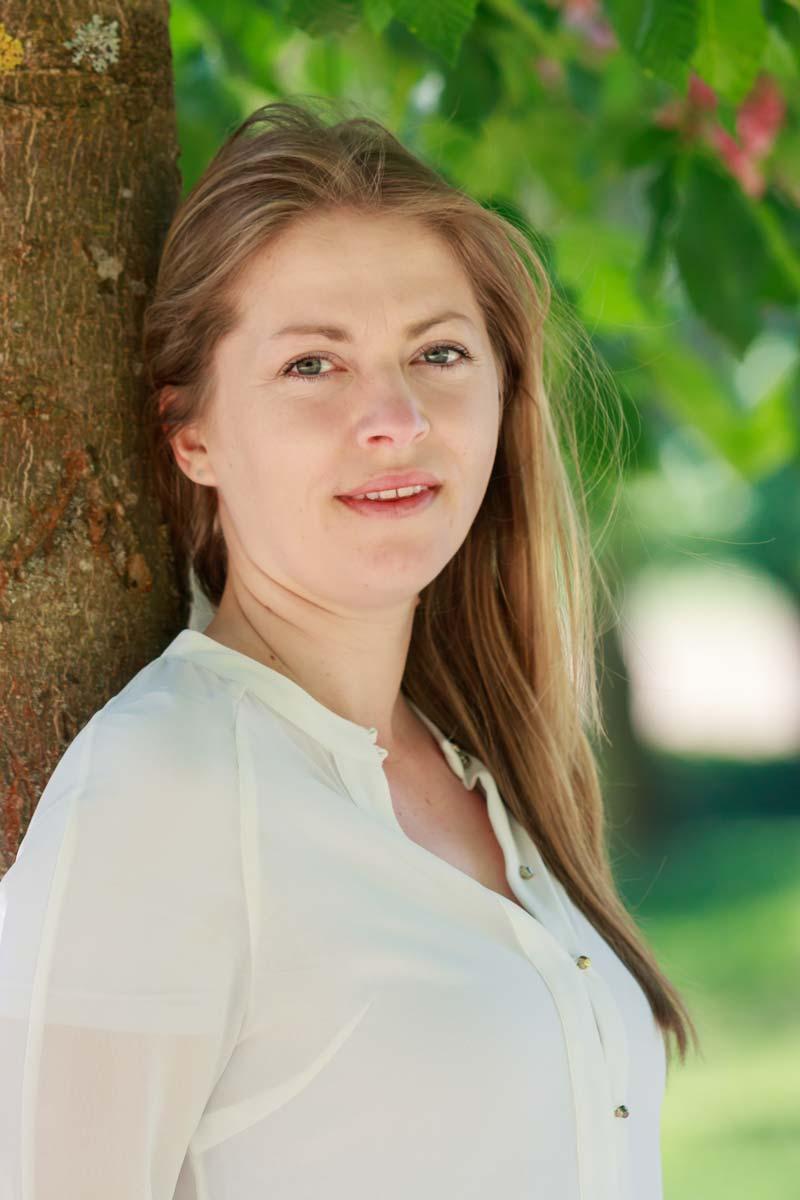 Naturverbundene Portraits zwischen Bäumen IMG 8895w