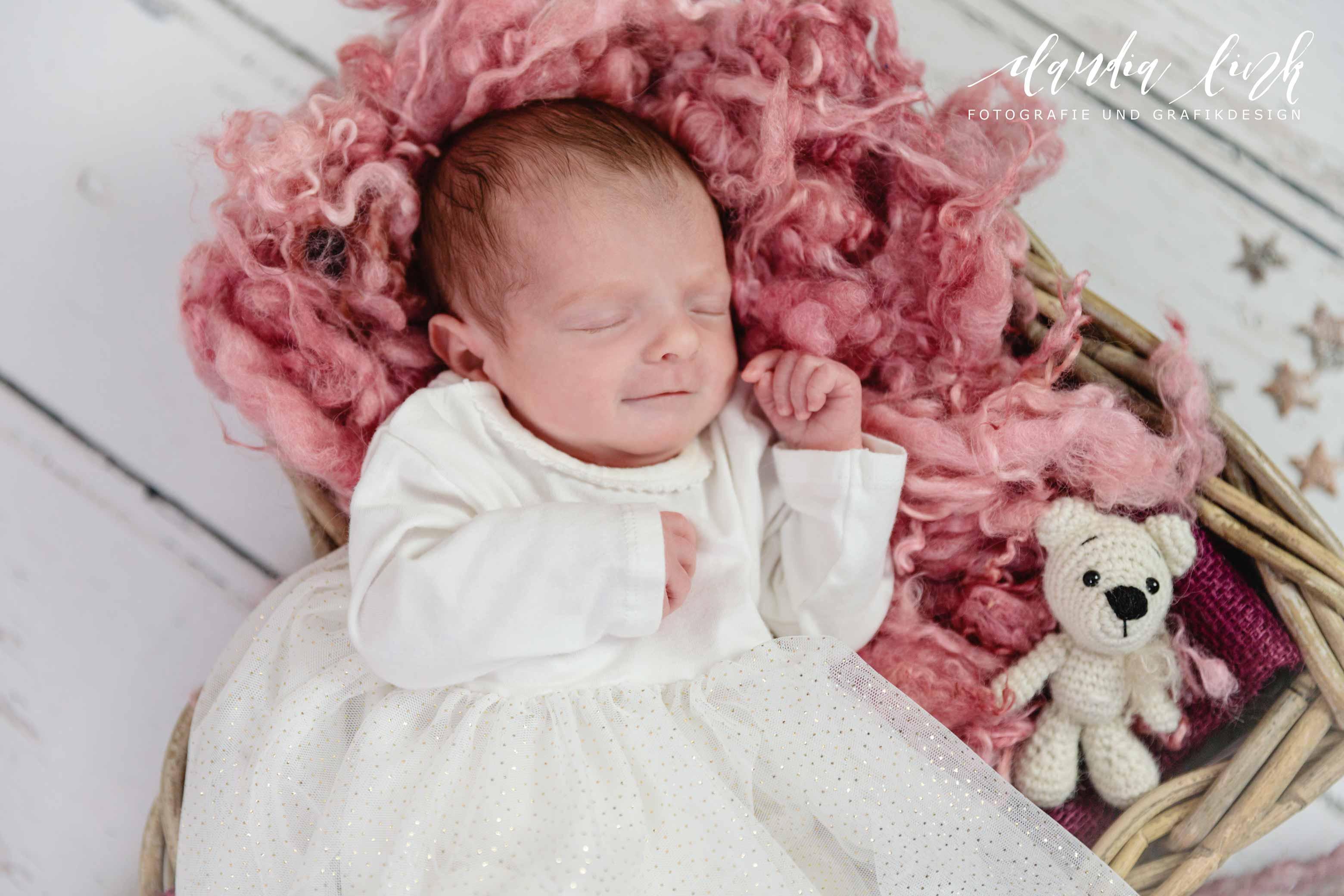 Newbornshooting – Ein schlafendes Baby verzaubert IMG 4945w