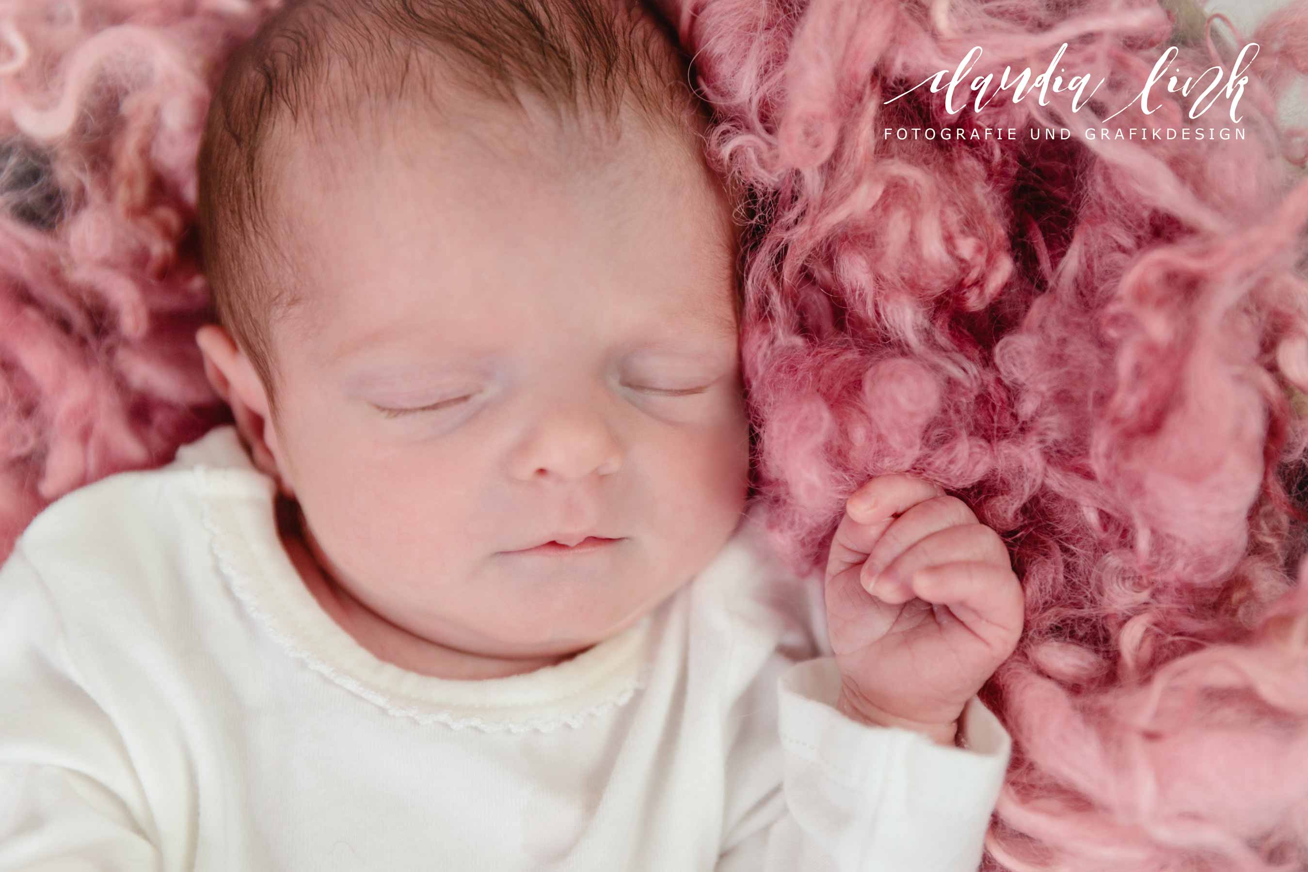 Newbornshooting – Ein schlafendes Baby verzaubert IMG 4947w