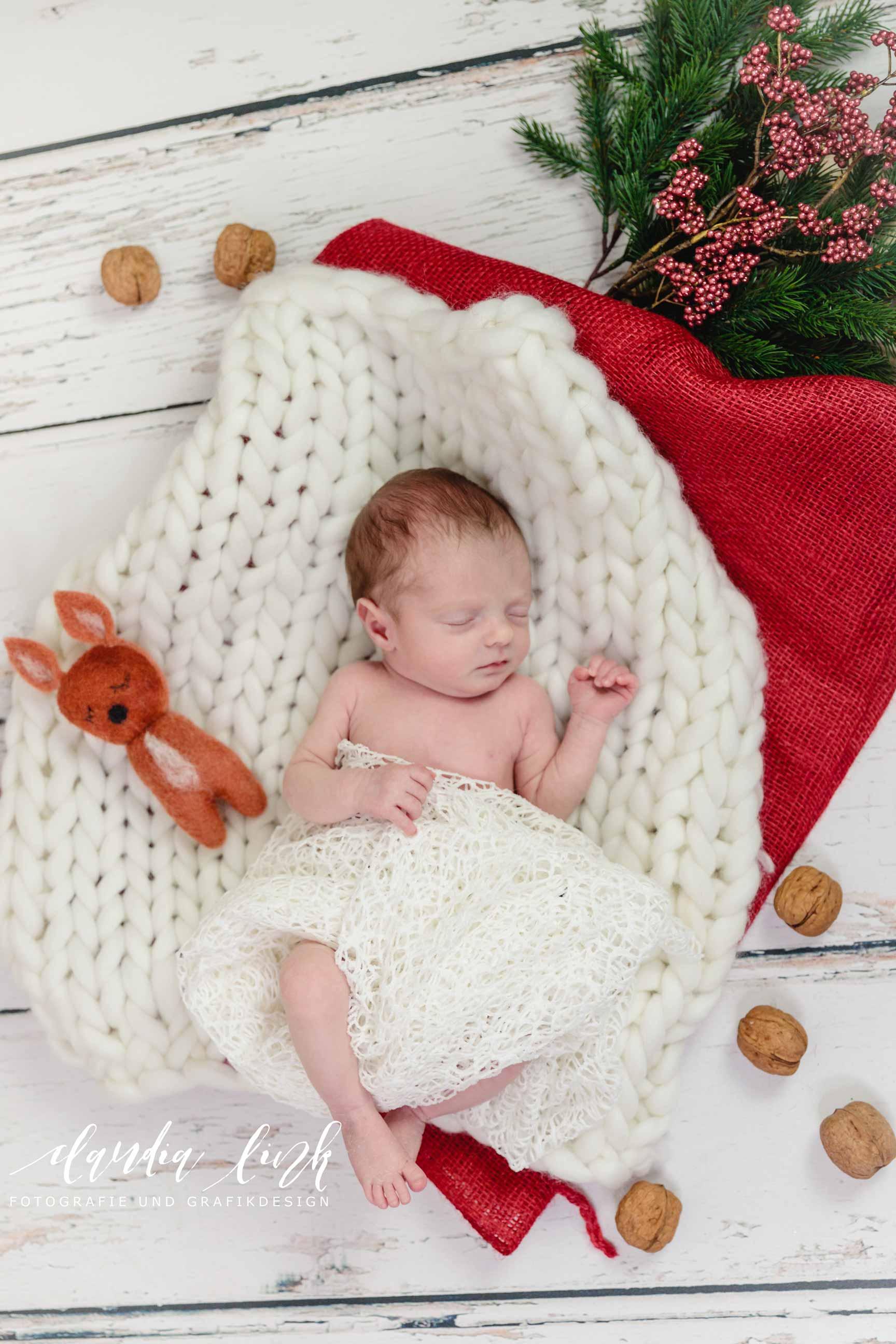 Newbornshooting – Ein schlafendes Baby verzaubert IMG 5007w