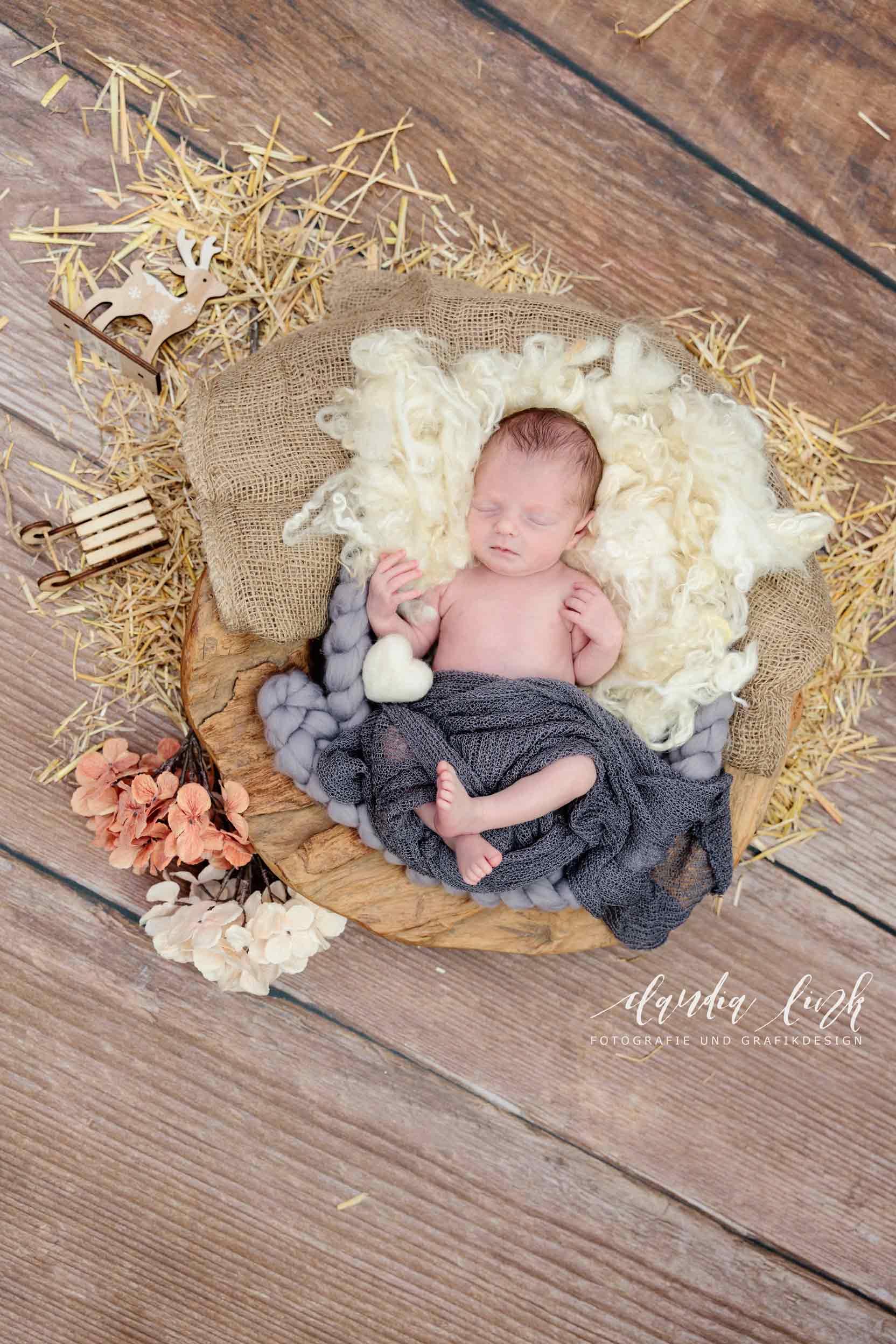 Newbornshooting – Ein schlafendes Baby verzaubert IMG 5125w
